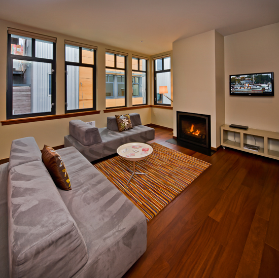 Flatscreen TV and cozy gas fireplace perfect for a bout of *go fish*